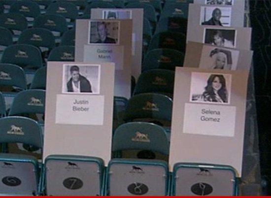 Джастин Бибер и Селена Гомес снова вместе, по крайней мере, на церемонии награждения Billboard Music Awards