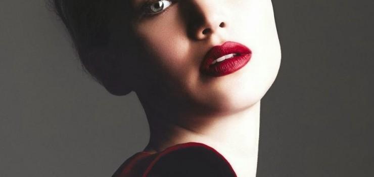 Дженнифер Лоуренс на обложке журнала Harper's Bazaar Великобритания. Ноябрь 2013