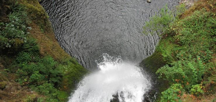 Водопад Малтнома в Орегоне