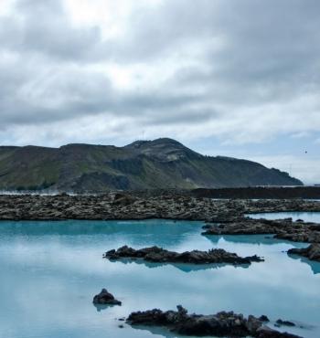 Геотермальной курорт Голубая лагуна в Исландии