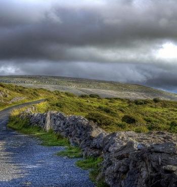 Каменная пустыня Буррен в Ирландии